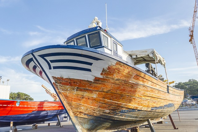 Fall Maintenance Tips for Your Boat marine electric systems